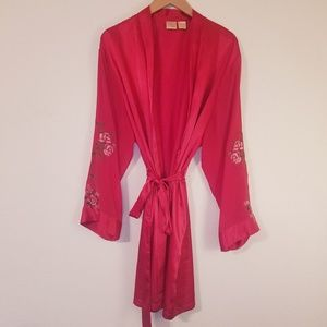 Vintage Red Embroidered Floral Silk Robe
